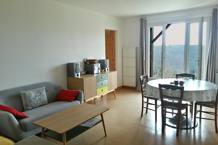 gite la maison en bois en Ardèche, séjour