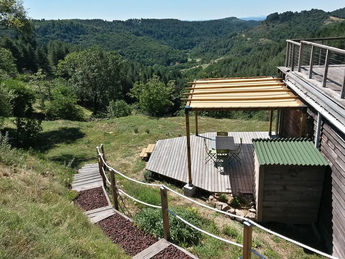gite la maison en bois en Ardèche, l'arrivée au gîte