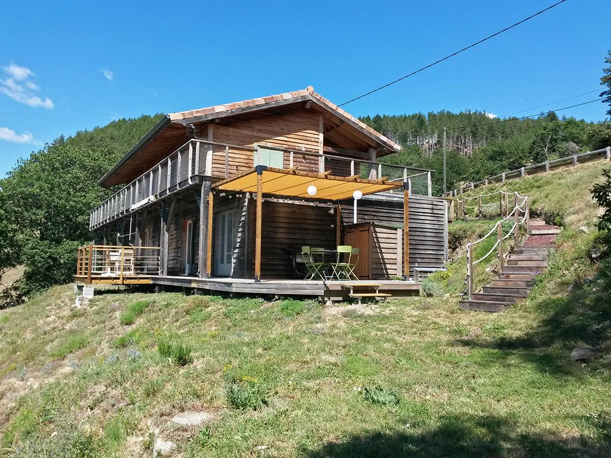 gite la maison en bois en Ardèche, vue d'ensemble